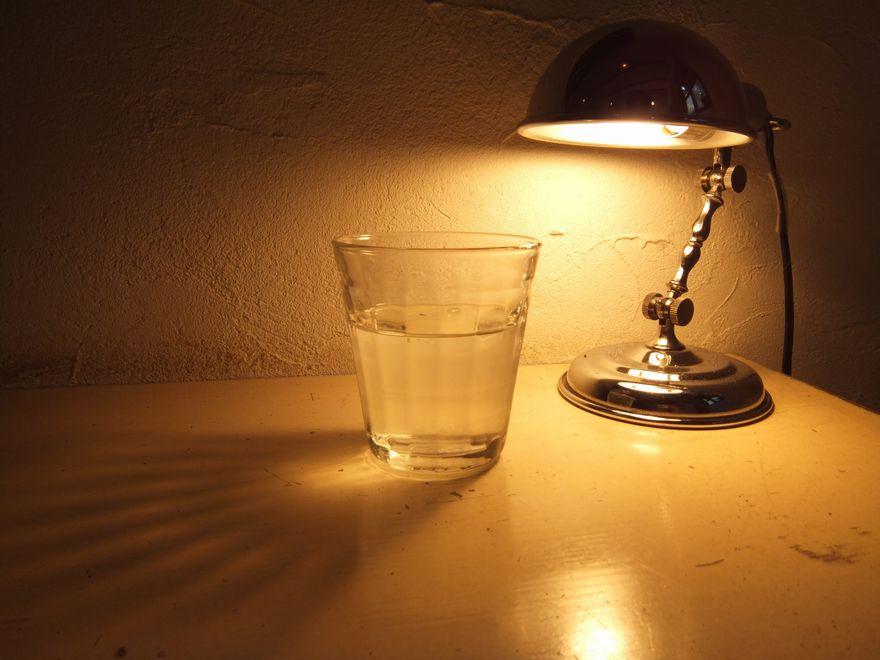 アルコールと睡眠薬の眠り効果は?